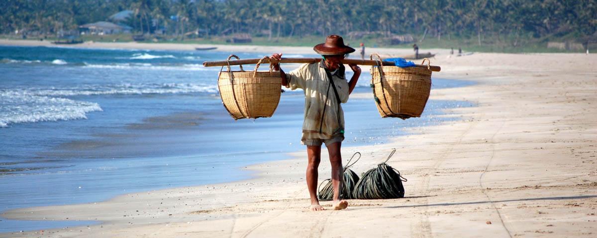 Myanmar-Ngapali Beach-Beach_Vendor
