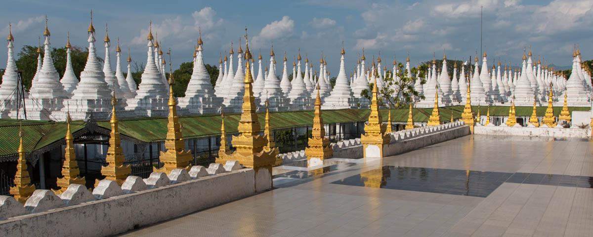 Myanmar-Mandalay-Sanda_Muni_Pagoda-Terrace