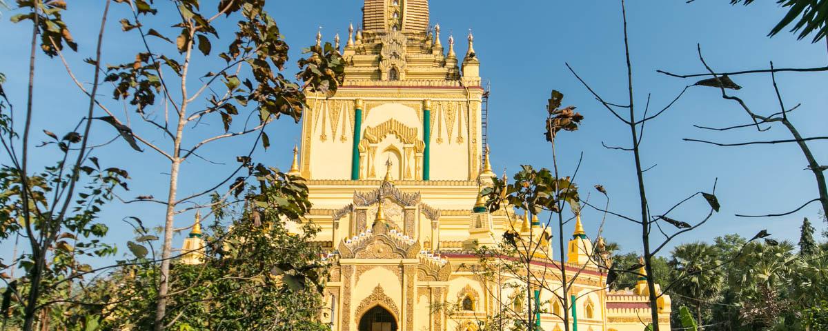 Myanmar - Pathein - Paya Gyi Gone Pagoda
